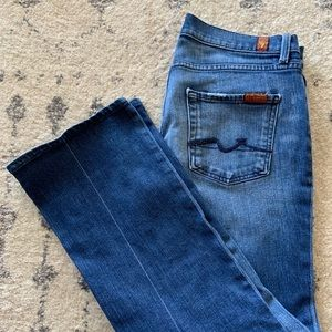 Seven for all Mankind- bootcut- Size 29